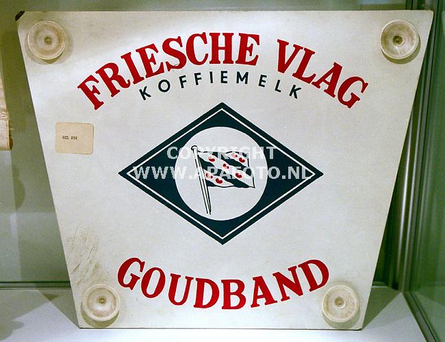 Ede , 270400  Foto : Koos Groenewold / APA foto<br />Produkt Friesche vlag van vroeger