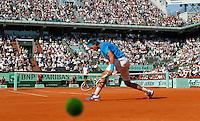 Tenis, Roland Garros 2011.Rafael Nadal (ESP) Vs. Robert Soderling (SWE).Robert Soderling, serves the ball.Paris, 01.06.2011..foto: Srdjan Stevanovic/Starsportphoto ©