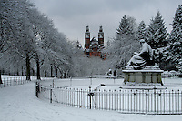 Kelvingrove Park and Kelvingrove Art Galleries during winter, Glasgow, Scotland<br /> <br /> Copyright www.scottishhorizons.co.uk/Keith Fergus 2011 All Rights Reserved