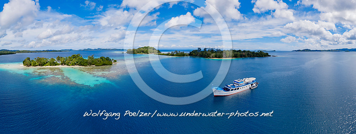 Luftaufnahme von Ghavutu Island Florida Islands, Salomonen, Sued Pazifik, Salomonen See / Aerial View from Ghavutu Island, Florida Islands, Solomons, Solomon Sea, South Pacific Ocean