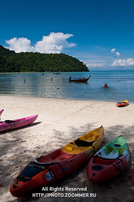Canoes and kayaks for rent on Phi-Phi beach, Thailand
