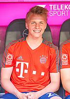 Felix GOETZE, FCB 20  Halbfigur ,  , Einzel, Portrait, Portraet, Einzel   <br /> FC BAYERN MUENCHEN - VFB STUTTGART 1-4<br /> Football 1. Bundesliga , Muenchen,12.05.2018, 34. match day,  2017/2018, , 28.Meistertitel, <br />   *** Local Caption *** © pixathlon
