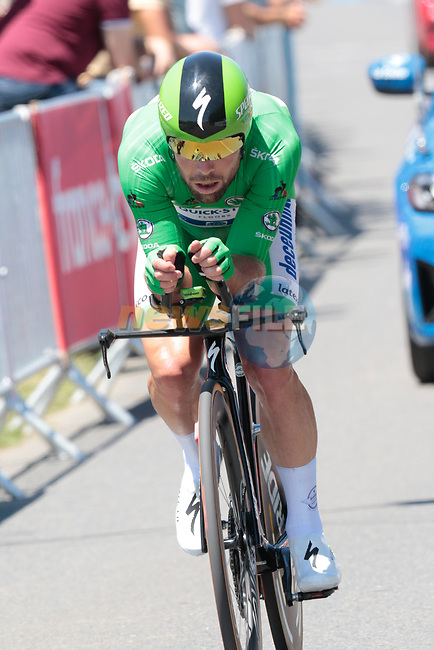 Green Jersey Mark Cavendish (GBR) Deceuninck-Quick Step during Stage 20 of the 2021 Tour de France, an individual time trial running 30.8km from Libourne to Saint-Emilion, France. 17th July 2021.  <br /> Picture: Colin Flockton | Cyclefile<br /> <br /> All photos usage must carry mandatory copyright credit (© Cyclefile | Colin Flockton)