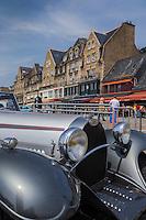 France, Ille-et-Vilaine (35), Cancale, Maisons du Port de pêche de La Houle //France, Ille et Vilaine, Cancale, Houses, La Houle fishing port