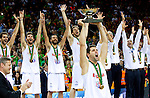 16.09.2011, Arena Zalgirio, Kaunas, LTU, FIBA EuroBasket 2011, Frankreich vs Russland, im Bild Felipe Reyes of Spain and other players of Spain celebrate at medal ceremony after the final basketball game between National basketball teams of Spain and France at FIBA Europe Eurobasket Lithuania 2011, on September 18, 2011, in Arena Zalgirio, Kaunas, Lithuania. Spain defeated France 98-85 and became European Champion 2011. EXPA Pictures © 2011, PhotoCredit: EXPA/ Sportida/ Vid Ponikvar  +++++ ATTENTION - OUT OF SLOVENIA/(SLO) +++++