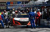 Pirelli World Challenge<br /> Intercontinental GT Challenge California 8 Hours<br /> Mazda Raceway Laguna Seca<br /> Sunday 15 October 2017<br /> Ryan Eversley, Tom Dyer, Dane Cameron, Acura NSX GT3, GT3 Overall pit stop<br /> World Copyright: Richard Dole<br /> LAT Images<br /> ref: Digital Image RD_PWCLS17_327
