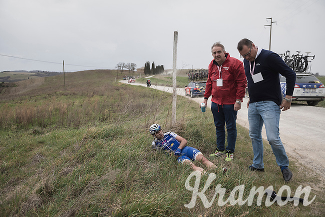 Ariel Maximiliano Richeze (ARG/QuickStep Floors) was involved in a mass crash & is forced to abandon the race at 67km<br /> <br /> 11th Strade Bianche 201711th Strade Bianche 2017