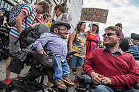 """Pride Parade 2017 in Berlin.<br /> Unter dem Motto """"Behindert und verrueckt feiern"""" zogen am Samstag den 15. Juli 2017 mehrere tausend Menschen durch Berlin.<br /> Sie forderten eine Gesellschaft, die Barrieren abbaut und Menschen nicht als """"krank"""", """"gestoert"""" oder """"nicht normal"""" aussortiert.<br /> Links im Bild: Der Aktivist und Fernsehmoderator Raul Krauthausen.<br /> 15.7.2017, Berlin<br /> Copyright: Christian-Ditsch.de<br /> [Inhaltsveraendernde Manipulation des Fotos nur nach ausdruecklicher Genehmigung des Fotografen. Vereinbarungen ueber Abtretung von Persoenlichkeitsrechten/Model Release der abgebildeten Person/Personen liegen nicht vor. NO MODEL RELEASE! Nur fuer Redaktionelle Zwecke. Don't publish without copyright Christian-Ditsch.de, Veroeffentlichung nur mit Fotografennennung, sowie gegen Honorar, MwSt. und Beleg. Konto: I N G - D i B a, IBAN DE58500105175400192269, BIC INGDDEFFXXX, Kontakt: post@christian-ditsch.de<br /> Bei der Bearbeitung der Dateiinformationen darf die Urheberkennzeichnung in den EXIF- und  IPTC-Daten nicht entfernt werden, diese sind in digitalen Medien nach §95c UrhG rechtlich geschuetzt. Der Urhebervermerk wird gemaess §13 UrhG verlangt.]"""