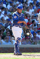 Chicago Cubs catcher Henry Blanco during a game against the New York Mets at Wrigley Field on July 15, 2006 in Chicago, Illinois.  (Mike Janes/Four Seam Images)