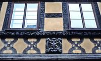 Riquewihr: carved fachwerk detail.