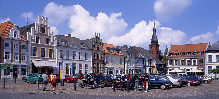 Europe, DEU, Germany, North Rhine Westphalia, Rhineland, Lower Rhine, Kalkar, Marketplace, Typical view....[ For each utilisation of my images my General Terms and Conditions are mandatory. Usage only against use message and proof. Download of my General Terms and Conditions under http://www.image-box.com or ask for sending. A clearance before usage is necessary...Material is subject to royalties. Each utilisation of my images is subject to a fee in accordance to the present valid MFM-List...Contact | archive@image-box.com | www.image-box.com ]