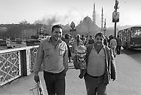 -  Turchia, Istambul, sul ponte di Galata (1984)<br /> <br /> - Turkey, Istanbul, on the Galata Bridge (1984)