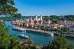 Deutschland, Niederbayern, Passau: 3-Fluesse-Stadt mit Altstadt und Dom St. Stephan, Fluss Donau | Germany, Lower Bavaria, Passau: with old town and cathedral St. Stephan, river Danube