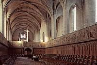 Europe/France/Auvergne/43/Haute-Loire/Parc Naturel Régional du Livradois-Forez/La Chaise Dieu: L'église abbatiale de Saint-Robert (architecture gothique): La nef, les stalles et les tapisseries