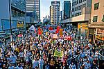 Passeata de estudantes em greve. São Paulo. 2000. Foto de Juca Martins. .