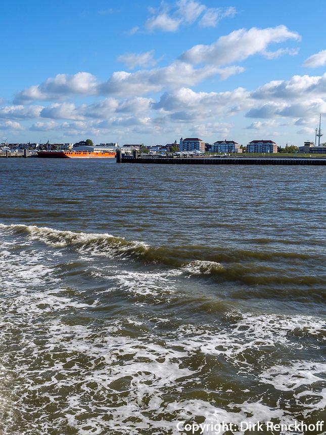 Skyline Cuxhaven, eebäderschiff Helgoland., Fähre von Cuxhaven nach Helgoland, Niedersachsen, Deutschland, Europa<br /> Skyline Cuxhaven, Tourist steamer Helgoland - ferry Cuxhaven - Helgoland, Cuxhaven, Lower Saxony, Germany, Europe