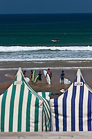 Europe/Espagne/Pays Basque/Guipuscoa/Pays Basque/Zarautz: Surfeurs plage de Zarautz