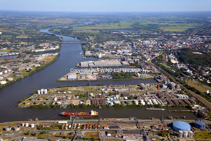 Seehafen 1-4 Harburg: EUROPA, DEUTSCHLAND, HAMBURG, HARBURG(EUROPE, GERMANY), 31.08.2016: Seehafen 1-4 Harburg