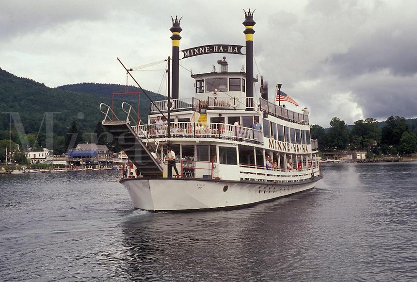 AJ2902, paddlewheel, boat, Lake George, Adirondacks, Adirondack Park, Adirondack, New York, The Minne-ha-ha Paddlewheel tourboat cruises slowly along the waterfront of Lake George in the village of Lake George in the state of New York.