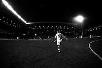 Pix:Michael Steele/SWpix...Blackburn Rovers F.C...COPYRIGHT PICTURE>>SIMON WILKINSON..Blackburns Alan Shearer practices before a match.