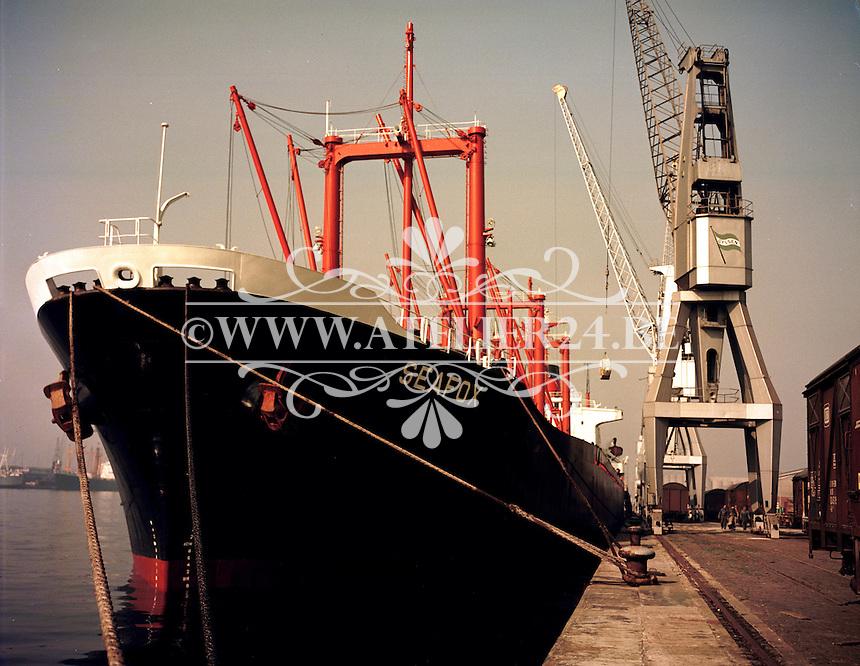 Oktober 1973. Schip Seafox in de haven van Antwerpen.