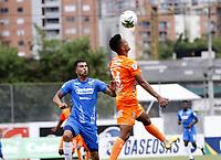 ENVIGADO - COLOMBIA, 28–02-2021: Jairo Palomino de Envigado F. C. y Juan Guillermo Arboleda de Deportivo Independiente Medellin disputan el balon, durante partido entre Envigado F. C. y Deportivo Independiente Medellin de la fecha 10 por la Liga BetPlay DIMAYOR I 2021, en el estadio Polideportivo Sur de la ciudad de Envigado. / Jairo Palomino of Envigado F. C. and Juan Guillermo Arboleda of Deportivo Independiente Medellin fight for the ball, during a match between Envigado F. C. and Deportivo Independiente Medellin of 10th date for the BetPlay DIMAYOR I 2021 League at the Polideportivo Sur stadium in Envigado city. Photo: VizzorImage / Juan A. Cardona / Cont.