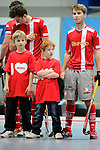 Mannheim, Germany, January 24: Line up before the 1. Bundesliga Herren Hallensaison 2014/15 quarter-final hockey match between Mannheimer HC (white) and Club an der Alster (red) on January 24, 2015 at Irma-Roechling-Halle in Mannheim, Germany. Final score 2-3 (1-2). (Photo by Dirk Markgraf / www.265-images.com) *** Local caption ***