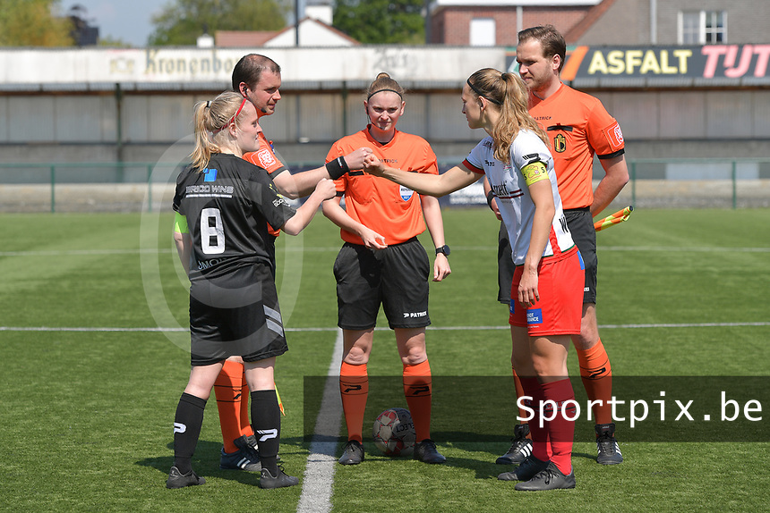 referee Viki De Cremer with assistant referee Toon Bonduel and Thomas Sanders  pictured together with Pauline Windels (5) of Zulte Waregem and Jana Simons (8) of Woluwe during a female soccer game between SV Zulte - Waregem and White Star Woluwe on the 10 th and last matchday in play off 2 of the 2020 - 2021 season of Belgian Scooore Womens Super League , saturday 29 of May 2021  in Zulte , Belgium . PHOTO SPORTPIX.BE | SPP | DIRK VUYLSTEKE