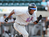 August 2, 2009: Infielder Alonzo Harris (16) of the Kingsport Mets, Appalachian League affiliate of the New York Mets, in a game at Pioneer Park in Greeneville, Tenn. Photo by: Tom Priddy/Four Seam Images