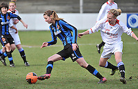 Club Brugge Dames - Heerenveen : Nicky Van Den Abbeele (links) aan de bal<br /> foto Joke Vuylsteke / nikonpro.be