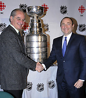 CBC Television executive vice-president Richard Stursberg (left) and NHL Commissioner Gary Bettman at today's announcement of a new, 6-year hockey deal. (CNW Group/CBC Communications)