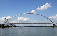 Nederland  Nijmegen  - September 2020 .   Nieuwe brug over de Waal : De Oversteek.   Foto : ANP/ Hollandse Hoogte / Berlinda van Dam