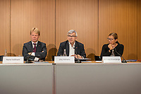 """Vorstellung des DGB-Index """"Gute Arbeit"""" am Mittwoch den 15. November 2017 in Berlin.<br /> Mit dem DGB-Index """"Gute Arbeit"""" zeigt der Deutsche Gewerkschaftsbund (DGB) einen umfassenden Ueberblick über die Befragungsergebnisse des Inifes-Institut zum Thema digitale und analoge Arbeit, die Folgen der Digitalisierung für die Arbeitssituation und betrachtet Zusammenhaenge mit der Vereinbarkeit von Arbeit und Familie.<br /> In dem Index wird u.a. deutlich, dass sich Beschaeftigte, die mit digitalen Mitteln arbeiten, haeufiger Sorgen um die Zukunft ihres Arbeitsplatzes machen. Vor allem bei gering Qualifizierten und Geringverdienern sind diese Aengste ausgepraegter. Hinsichtlich der psychischen Arbeitsanforderungen zeigen sich Zusammenhaenge mit einem staerkeren Zeit- und Termindruck, mit Arbeitsverdichtung sowie haeufigeren Stoerungen und Unterbrechungen.<br /> Im Bild vlnr.: Reiner Hoffman, DGB-Vorsitzender; Joerg Hofmann, IG-Metall-Vorsitzender; Michaela Rosenberger, NGG-Vorsitzende.<br /> 15.11.2017, Berlin<br /> Copyright: Christian-Ditsch.de<br /> [Inhaltsveraendernde Manipulation des Fotos nur nach ausdruecklicher Genehmigung des Fotografen. Vereinbarungen ueber Abtretung von Persoenlichkeitsrechten/Model Release der abgebildeten Person/Personen liegen nicht vor. NO MODEL RELEASE! Nur fuer Redaktionelle Zwecke. Don't publish without copyright Christian-Ditsch.de, Veroeffentlichung nur mit Fotografennennung, sowie gegen Honorar, MwSt. und Beleg. Konto: I N G - D i B a, IBAN DE58500105175400192269, BIC INGDDEFFXXX, Kontakt: post@christian-ditsch.de<br /> Bei der Bearbeitung der Dateiinformationen darf die Urheberkennzeichnung in den EXIF- und  IPTC-Daten nicht entfernt werden, diese sind in digitalen Medien nach §95c UrhG rechtlich geschuetzt. Der Urhebervermerk wird gemaess §13 UrhG verlangt.]"""