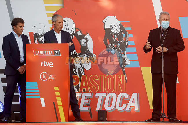 Team Presentation for La Vuelta 2021 held in Burgos city centre, Spain. 12th August 2021.    <br /> Picture: Luis Angel Gomez/Photogomezsport | Cyclefile<br /> <br /> All photos usage must carry mandatory copyright credit (© Cyclefile | Luis Angel Gomez/Photogomezsport)