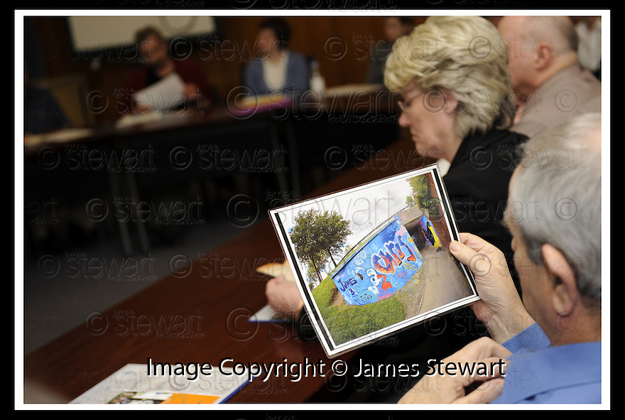 14/03/2008    Copyright Pic: James Stewart.File Name : 14_CSP_Launch.COMMUNITY SUPPORT PACK LAUNCH :: 13TH MARCH 2008.HALLGLEN YOUTH AND ENVIRONMENT GROUP DISCUSSION GROUP...James Stewart Photo Agency 19 Carronlea Drive, Falkirk. FK2 8DN      Vat Reg No. 607 6932 25.Studio      : +44 (0)1324 611191 .Mobile      : +44 (0)7721 416997.E-mail  :  jim@jspa.co.uk.If you require further information then contact Jim Stewart on any of the numbers above........