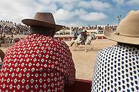 France/13/Bouches du Rhone/Camargue/Parc Naturel Régionnal de Camargue/Saintes Maries de la Mer: Aux Arènes, jeux de gardians, lors du Pèlerinage des Gitans