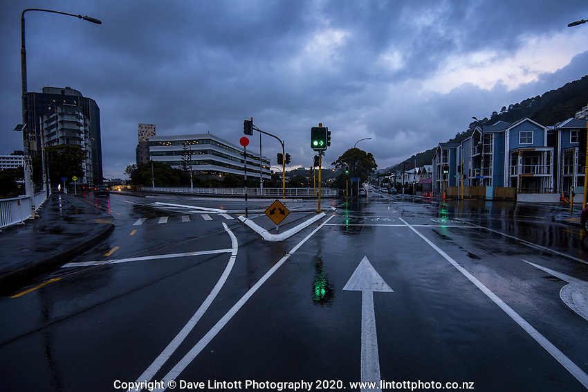 7.30am on Tinakori Road during lockdown for COVID19 pandemic in Wellington, New Zealand on Thursday, 9 April 2020. Photo: Dave Lintott / lintottphoto.co.nz