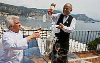 Europe/France/Provence-Alpes-Côte d'Azur/06/Alpes-Maritimes/ St Jean Cap Ferrat : Hôtel: La Voile d'Or,  le chef : Georges Pélissier avec le sommelier Patrice Lopez.<br />  [Non destiné à un usage publicitaire - Not intended for an advertising use]