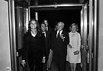 VITTORIO DE SICA CIN FLORINDA BOLKAN, MARIA MERCADER, ALBERTO SORDI E CHRISTIAN DE SICA <br /> SERATA TEATRO CARLINO PER PREMIAZIONE VITTORIO DE SICA ROMA 1970