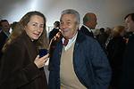 """PRISCILLA RATTAZZI, ALBERTO ARBASINO<br /> VERNISSAGE """" A RIVEDERCI ROMA"""" DI PRISCILLA RATTAZZI<br /> GALLERIA MONCADA ROMA 2004"""
