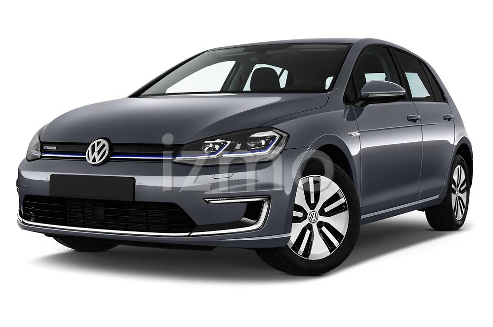 Stock pictures of low aggressive front three quarter view of 2017 Volkswagen Golf e 5 Door Hatchback Low Aggressive
