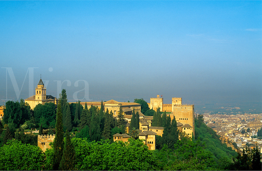 Spain, Andalucia, Granada. Evening light on the Alhambra and Granada, the finest remaining example of Moorish architecture in Spain.  Built between the 9th and 14th  Centuries.  .