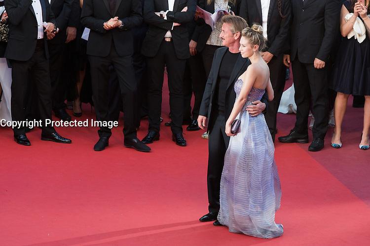 Sean Penn, Dylan Penn - CANNES 2016 - MONTEE DU FILM 'THE LAST FACE'