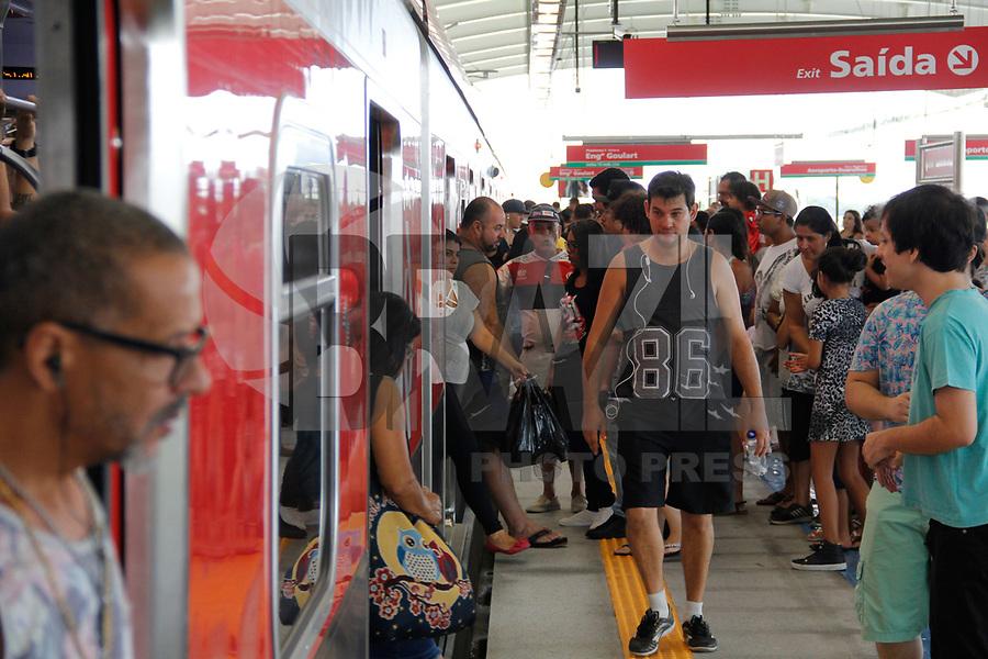 SÃO PAULO, SP, 31.03.2018 - ALCKMIN-SP - O governador Geraldo Alckmin inaugurou, a Linha 13-Jade (Engenheiro Goulart-Aeroporto-Guarulhos) da CPTM, entregando à população 12,2 quilômetros de faixa ferroviária, duas novas estações, três novos bicicletários e uma passarela na Estação Engenheiro Goulart, na zona leste de São Paulo, na manhã deste sábado, 31.(Foto: Nelson Gariba/Brazil Photo Press)