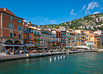 Frankreich, Provence-Alpes-Côte d'Azur, Villefranche-sur-Mer: Restaurants und Cafés  am Quai de l'Amiral Courbet | France, Provence-Alpes-Côte d'Azur, Villefranche-sur-Mer: restaurants and cafes at Quai de l'Amiral Courbet