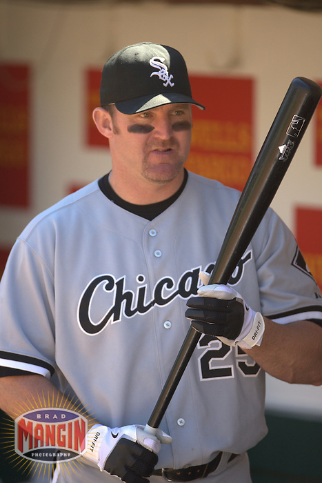 Jim Thome. Baseball: Chicago White Sox vs Oakland Athletics at McAfee Coliseum in Oakland, CA on September 17, 2006. Photo by Brad Mangin