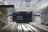 - linea ferroviaria Arcisate-Stabio, aperta dopo nove anni di lavori, collega direttamente la città di Varese e quella svizzera di Mendrisio, Lugano con l'aereoporto internazionale della Malpensa ed è parte del corridoio merci Europeo Genova - Rotterdam; stazione di Induno Olona<br /> <br /> - Arcisate-Stabio railway line, opened after nine years of work, directly connects the city of Varese and the Swiss city of Mendrisio, Lugano with the Malpensa international airport and is part of the European freight corridor Genoa - Rotterdam; Induno Olona station
