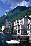 ITA, Italien, Lombardei, Brienno am Westufer des Comer Sees mit Kirche S. Nazario e Sauro | ITA, Italy, Lombardia, Brienno at Lake Como with church S. Nazario e Sauro