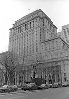 Le Centre-Ville de Montreal dans les annees 80<br /> <br /> Le siege social de la Sun Life
