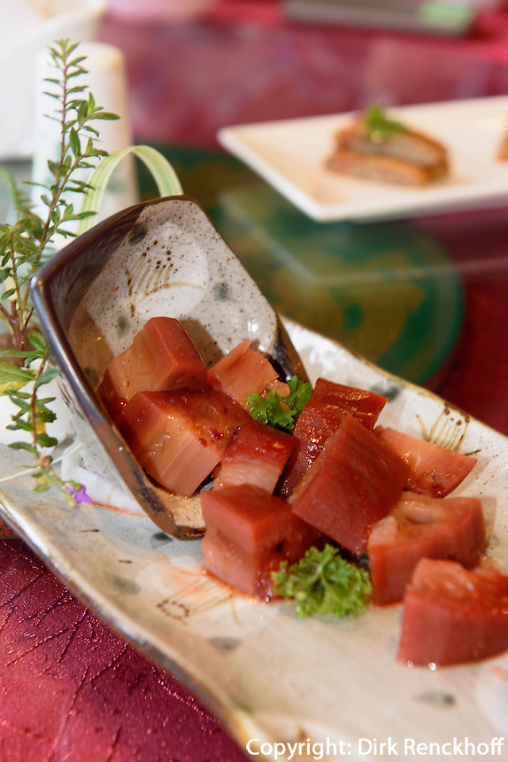 Restaurant, Birdnest Resort bei Sanyaauf der Insel Hainan, China<br /> Restaurant, Birdsnest Resort near Sanya, Hainan island, China